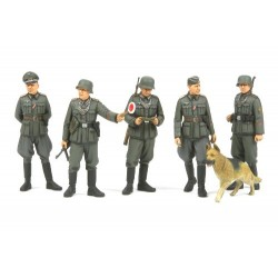 Tamiya 01.35 WWII German Military Police launched Sep. Kit to Assemble and Painting